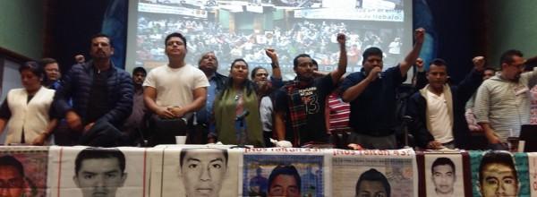 Ayotzinapa: Finaliza el Primer Encuentro por la Indignación: Respaldo al GIEI