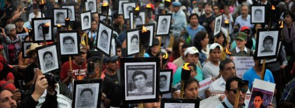 Ayotzinapa con la CNTE: Libertad para defender la educación pública